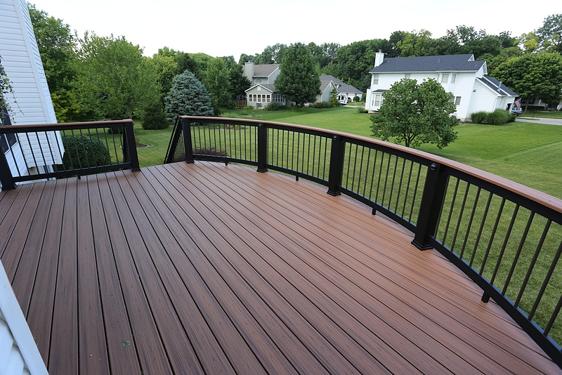 Aesthetic design build composite wood decks for Fiberon vs trex